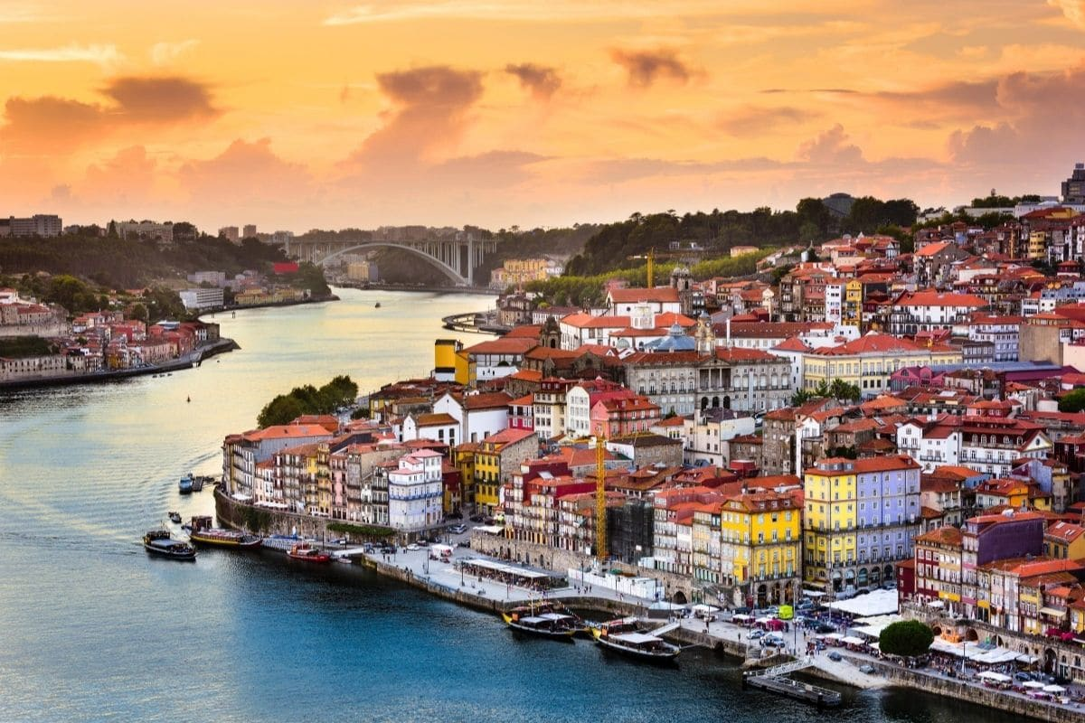Road trip au Portugal : coucher de soleil sur Porto